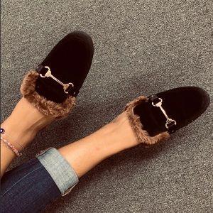 NEW ** Ladies Black velvet fur details flat mules